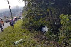 Um acidente envolveu três veículos em Guabiruba, na manhã deste domingo, 5 (Foto: Corpo de Bombeiros)