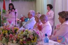Sônia Rieg Fischer durante sua fala como presidente reeleita da RFCC Estadual