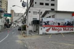 Rompimento de cabos afeta telefonia e internet na Rua Rodrigues Alves