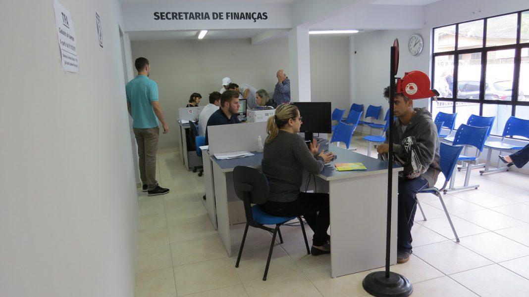 Bombinhas divulga datas de pagamento de IPTU com desconto