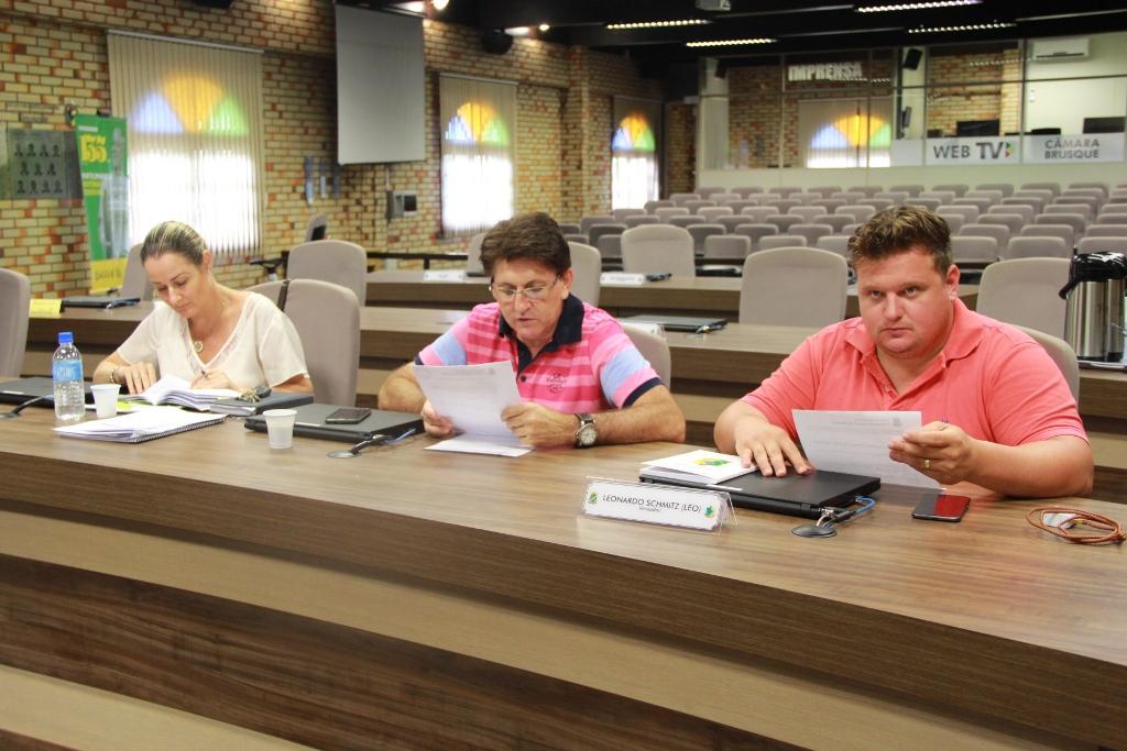 Comissão especial retoma trabalhos de atualização do Regimento Interno da Câmara