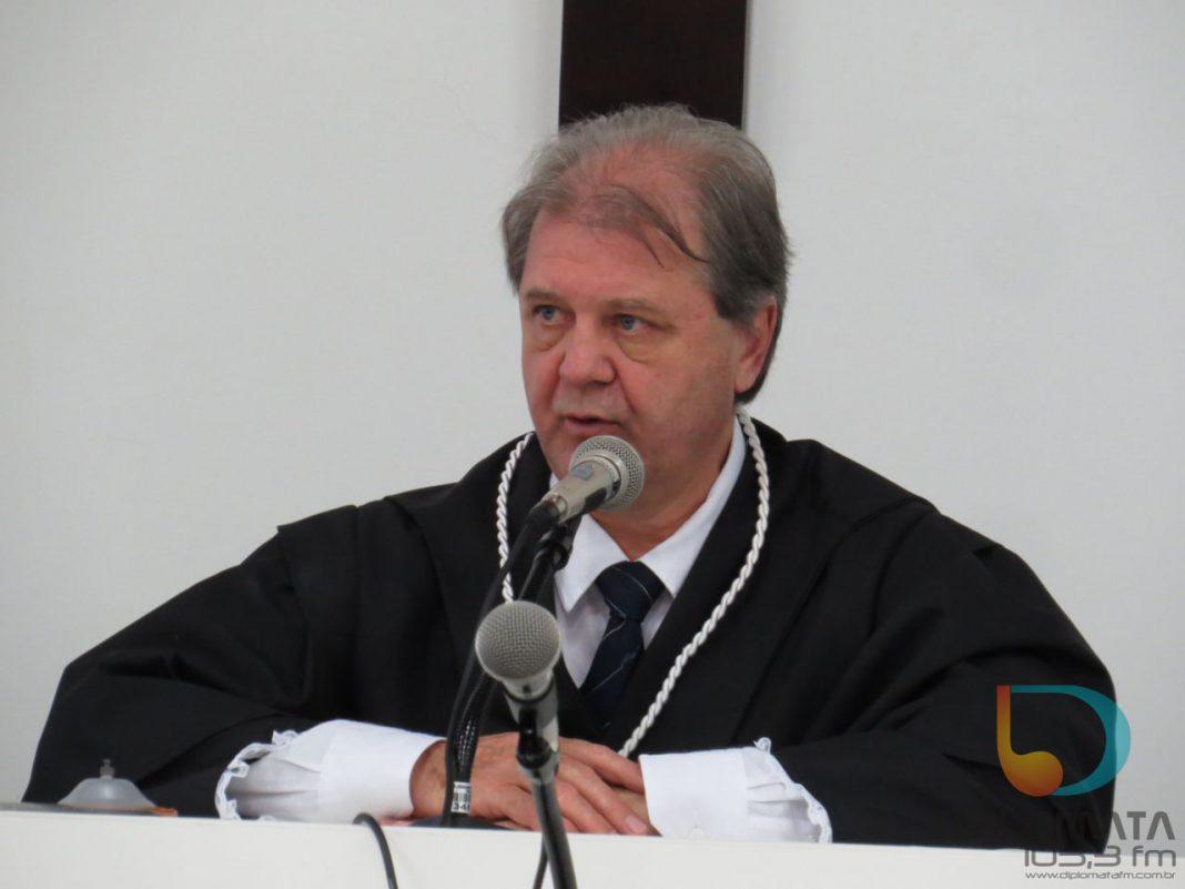Dr. Edemar Leopoldo Schlösser