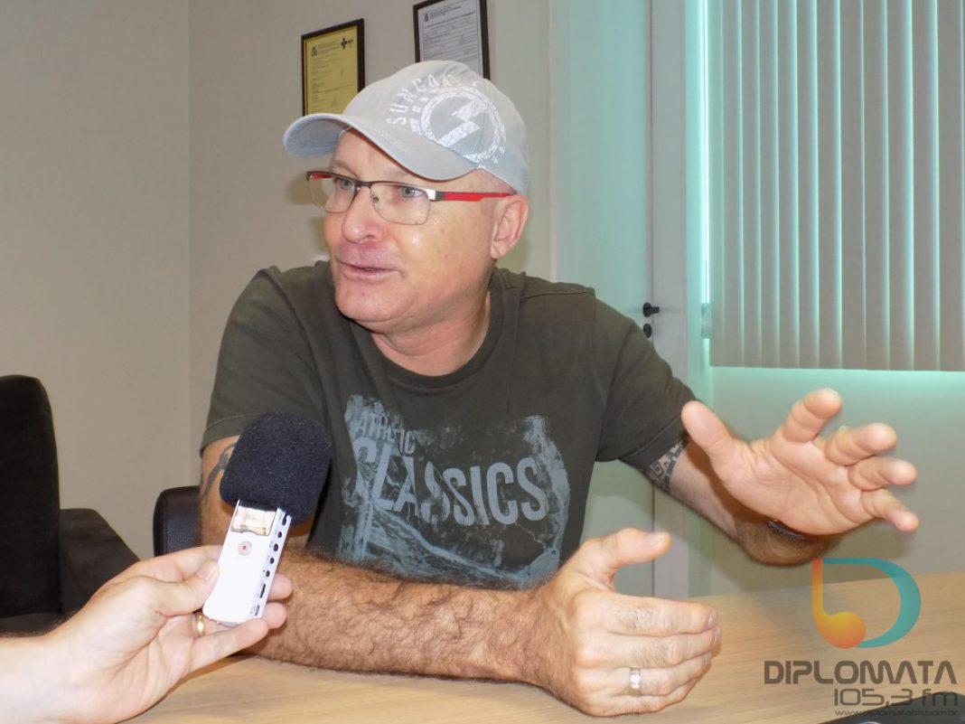 rofessor Deschamps fala sobre Enem e uso da linguagem nas redes sociais