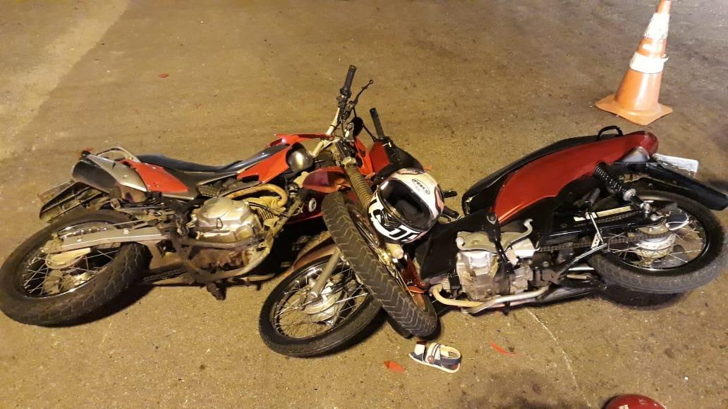 Duas motos colidem na rodovia Antônio Heil