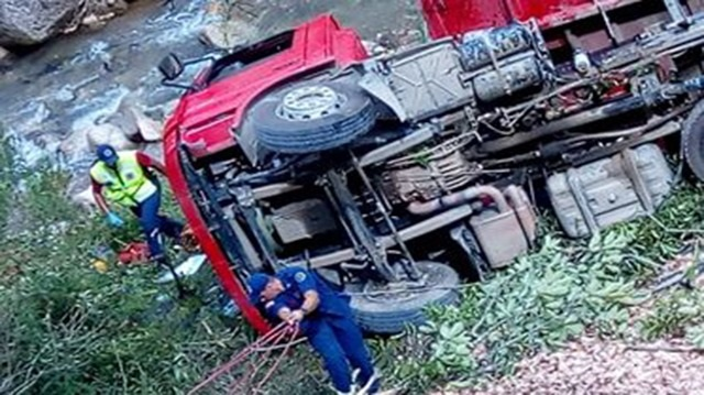 acidente botuvera_caminhao