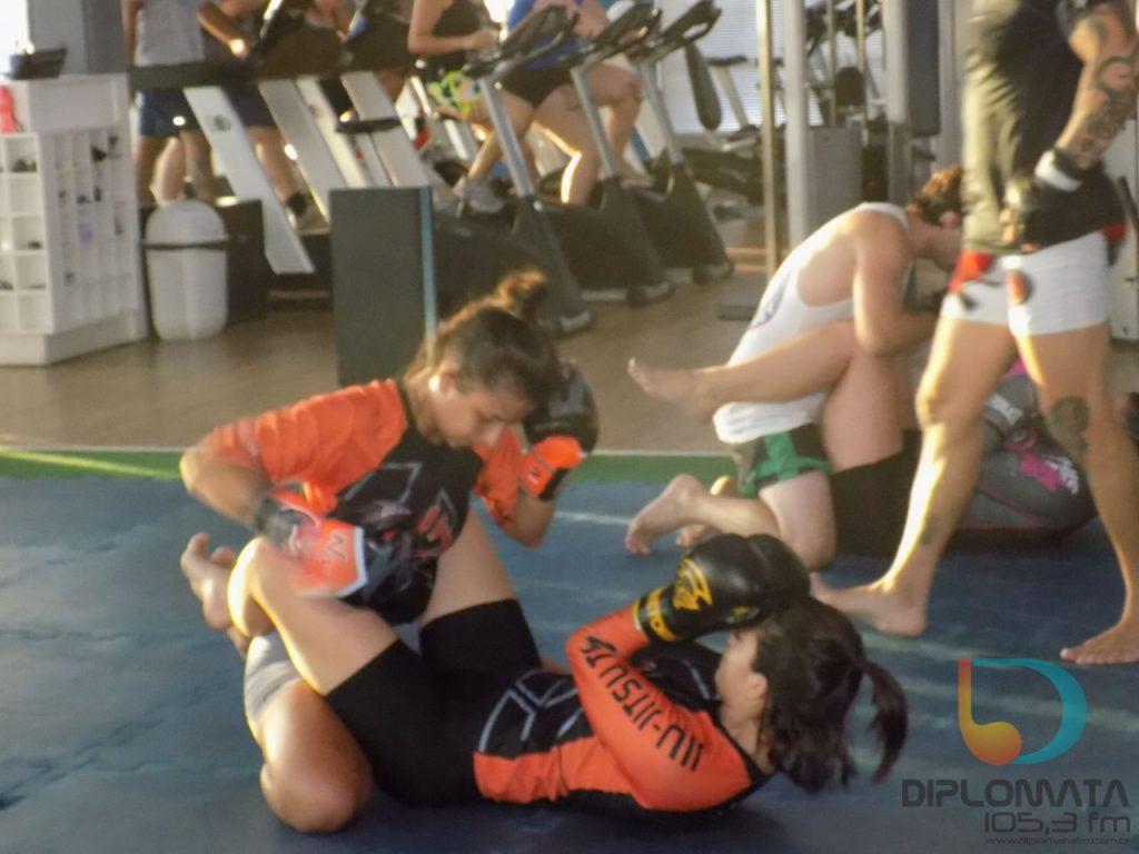 Viva Sport Academia abre aulas de MMA para mulheres
