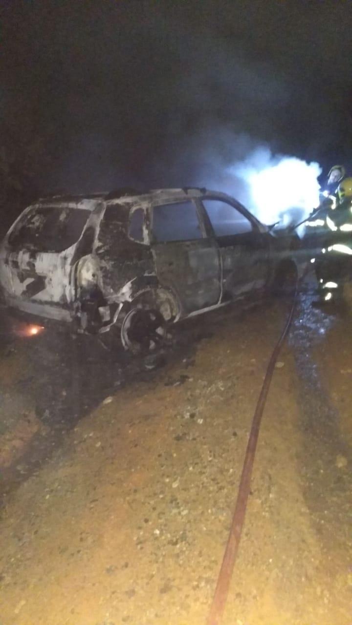 Incêndio em veículo no bairro Limeira