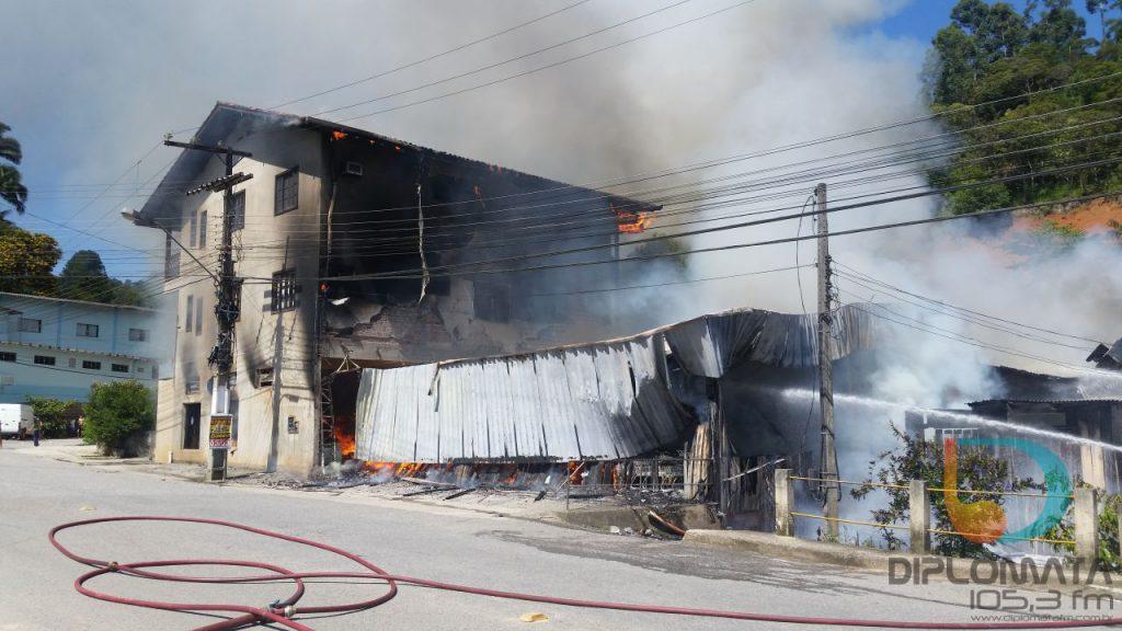 Incêndio mercado Santa Luzia