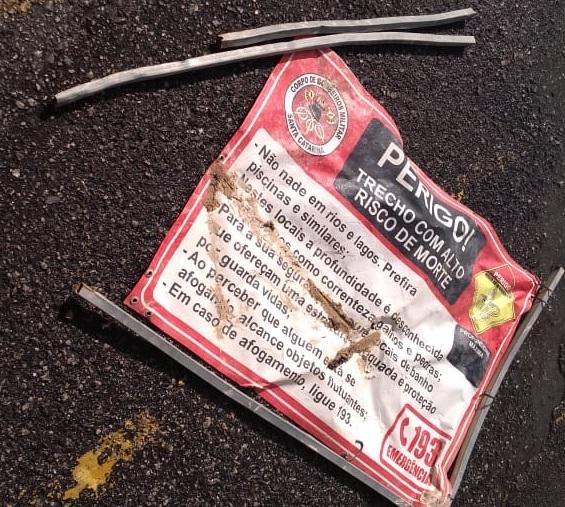 Placa de Advertência do Corpo de Bombeiros