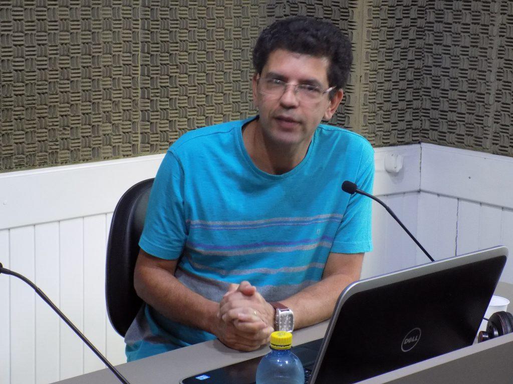 Professor Zezinho em entrevista ao Jornal da Diplomata