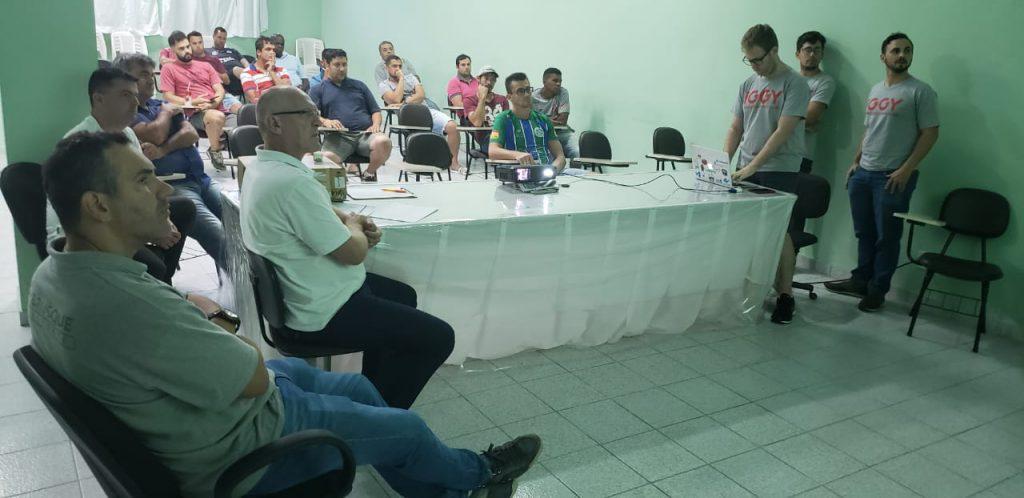 Reunião do futebol amador na Fundação Municipal de Esportes