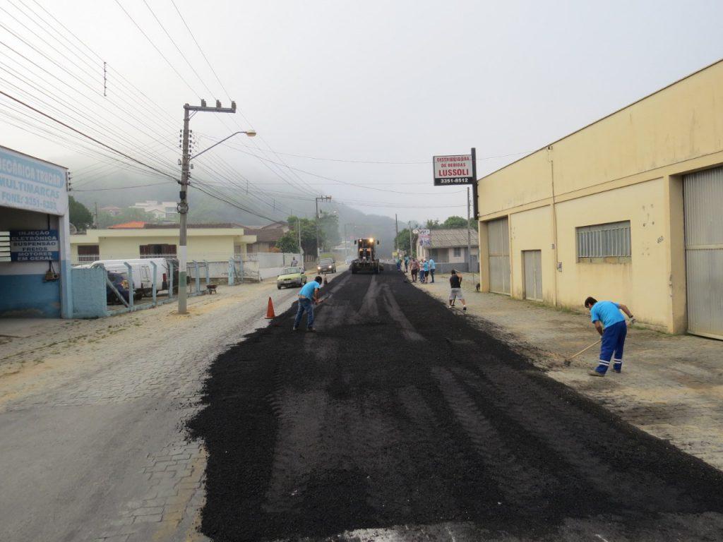Rua Augusto Klapoth no bairro Águas Claras