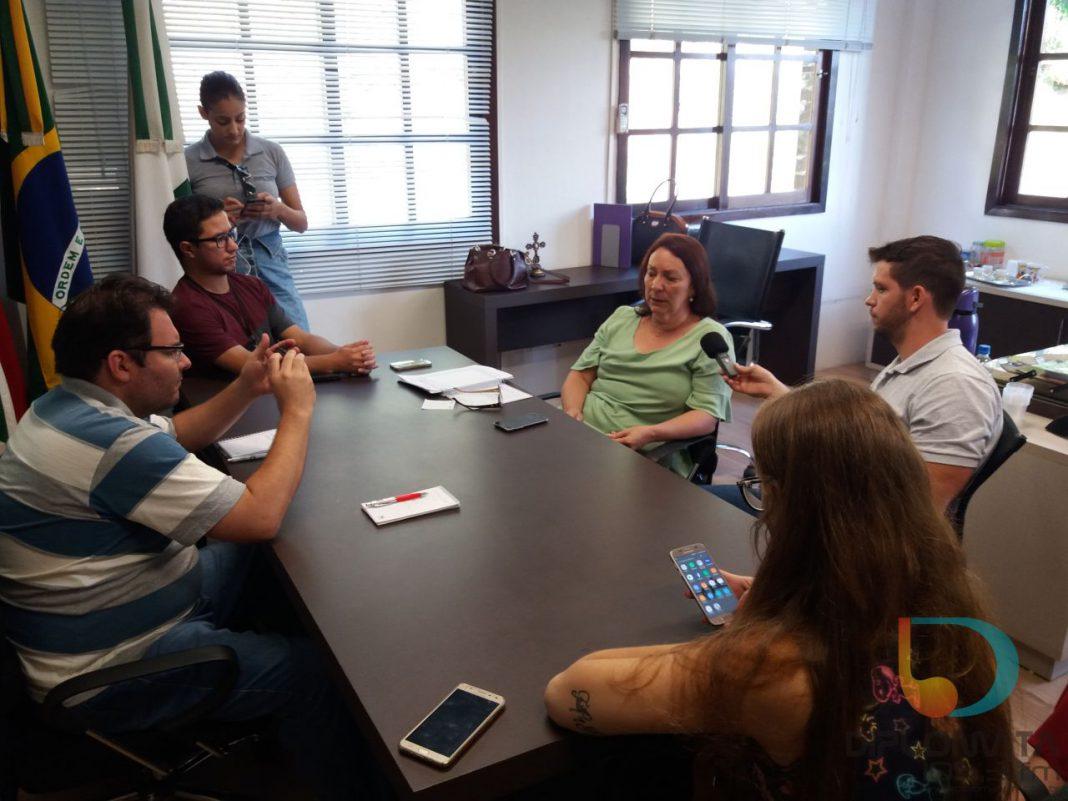 Secretaria de Educação coletiva de imprensa