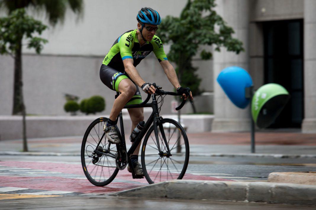 Multas pedestres e ciclistas