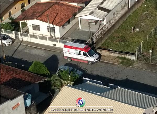 M localiza falsa ambulância e três suspeitos de assalto