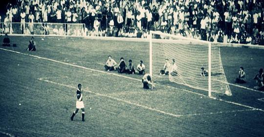 Imagem do gol contra de Valdir Appel