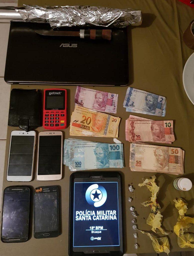 Polícia Militar prende homem por tráfico de drogas no bairro Limeira