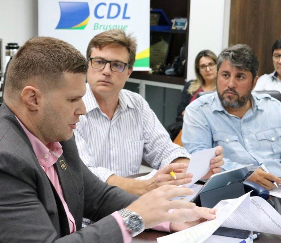 CDL reunião