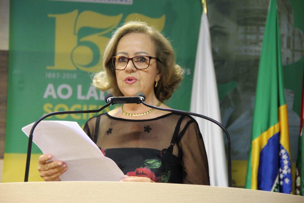A sessão foi marcada pela homenagem a professora Andir Eunice Tavares
