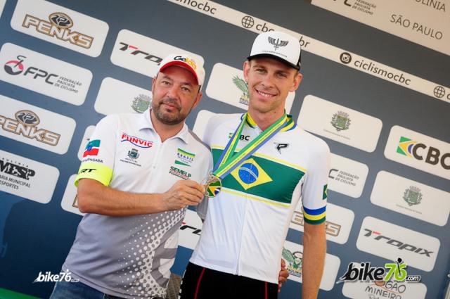 Gohr e o técnico Kid. (Foto: Luis Claudio Antunes/Bile76)