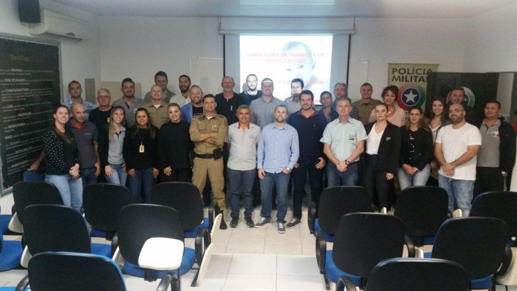 Primeira reunião técnica entre órgãos de fiscalização e centro de formação de condutores, no 18º BPM.