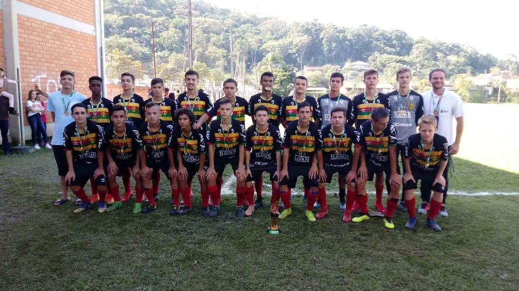 Futebol masculino de Brusque é campeão da fase regional dos Joguinhos