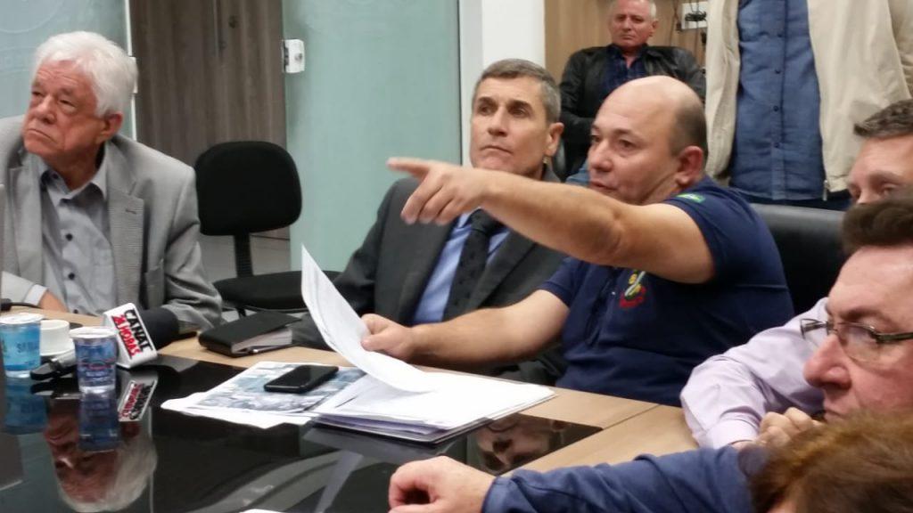 Vice-prefeito Ari Vechi apresentou prioridades da rodovia ao coronel Carlos Hassler, presidente do Deinfra.