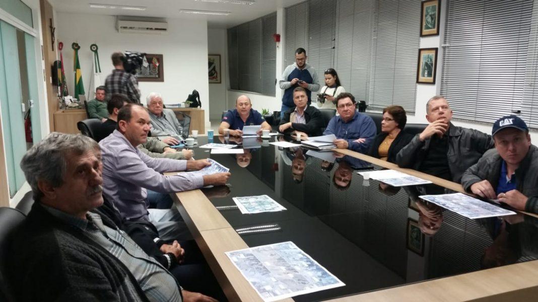 Lideranças apresentam prioridades da rodovia Antônio Heil, anexadas aos impasses do projeto