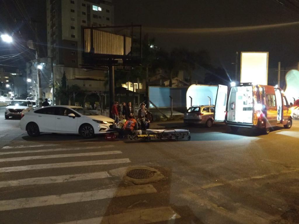 Mulher é atropelada por veículo na Rua do Centenário (Foto: Corpo de Bombeiros)