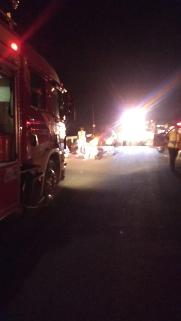 Dois acidentes na rodovia Antônio Heil na noite de sábado, em menos de uma hora