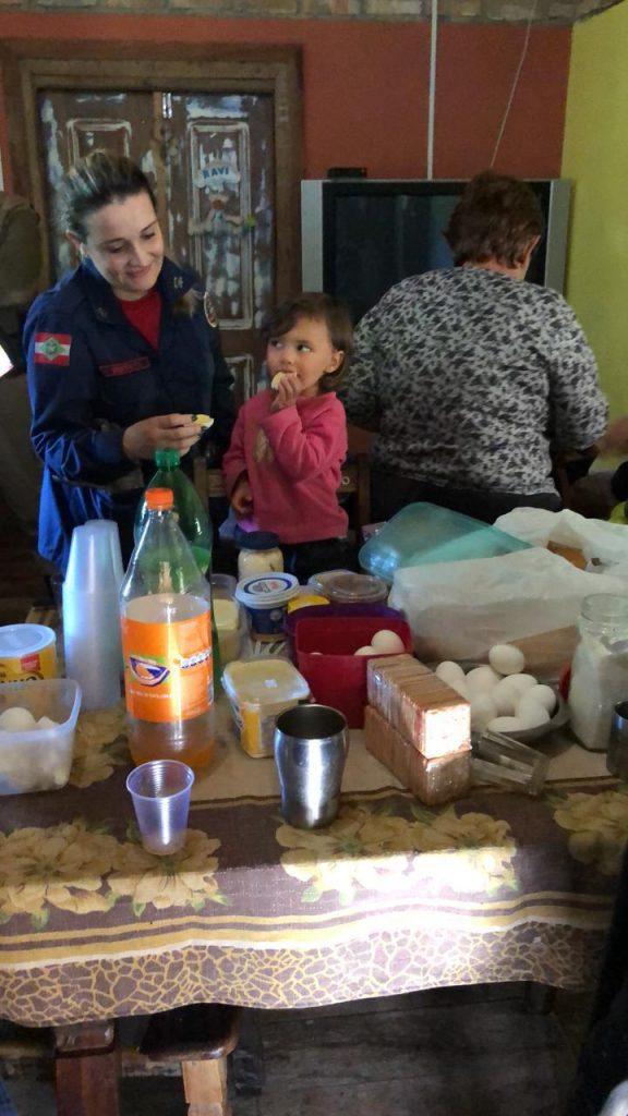 Em Imaruí: Menina Iara, 2 anos de idade, é encontrada viva