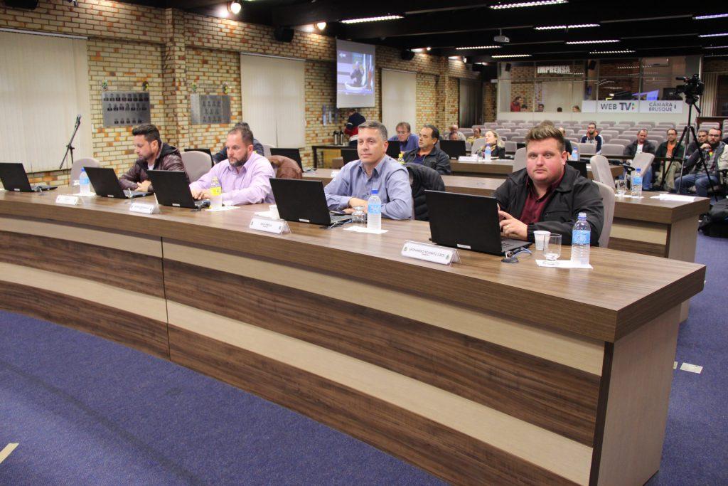 Câmara debate problemas e atendimento aos moradores de rua (Foto; Câmara de Vereadores)