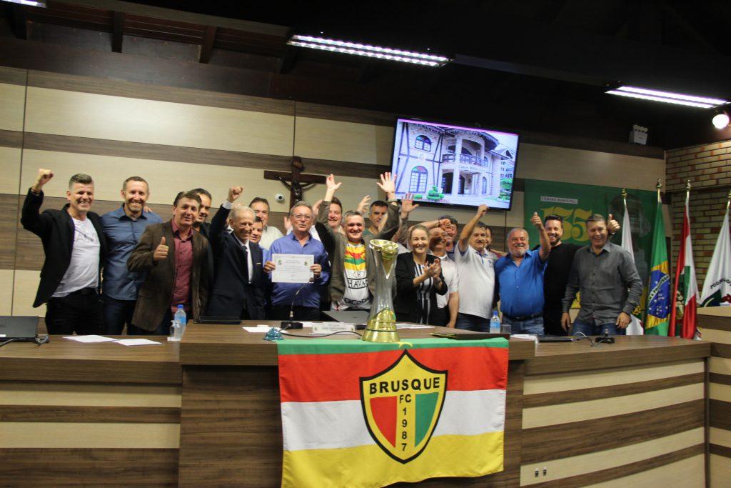Brusque Futebol Clube foi agraciado com a Comenda do Mérito Esportivo