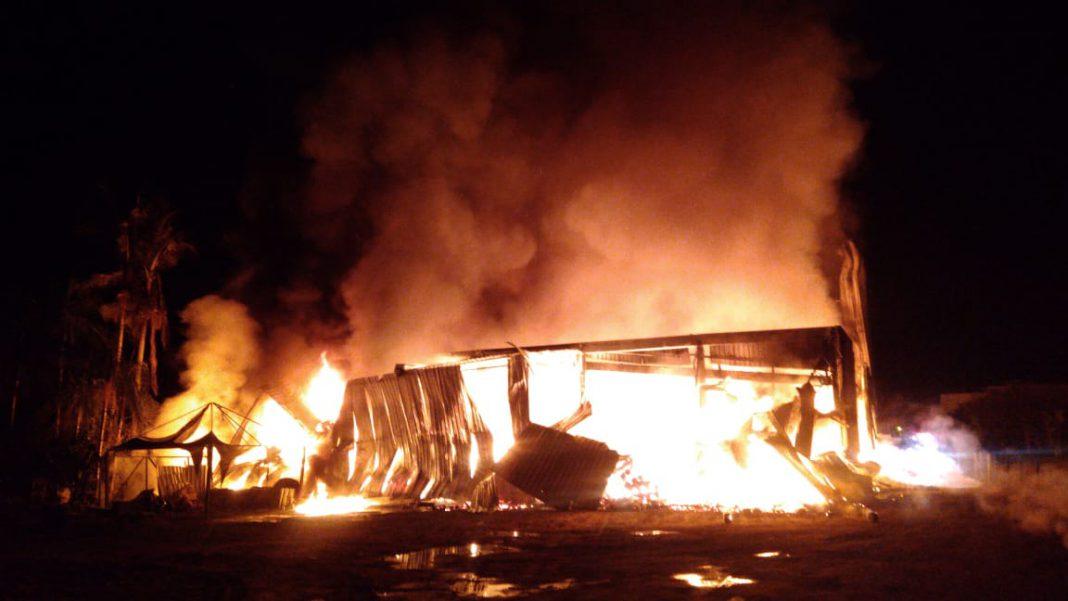 Incêndio destrói malharia em Guabiruba (Foto: Corpo de Bombeiros)