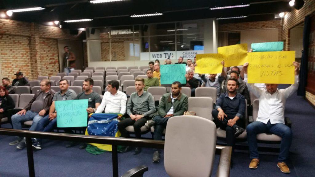 Representantes do setor da construção civil e de imobiliárias, que estiveram presente na sessão, comemoraram a aprovação da matéria