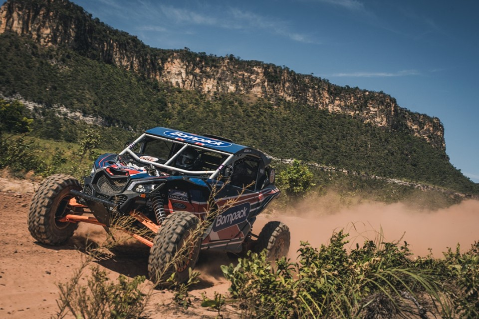 Brusquense vence Rally dos Sertões na categoria UTV's.