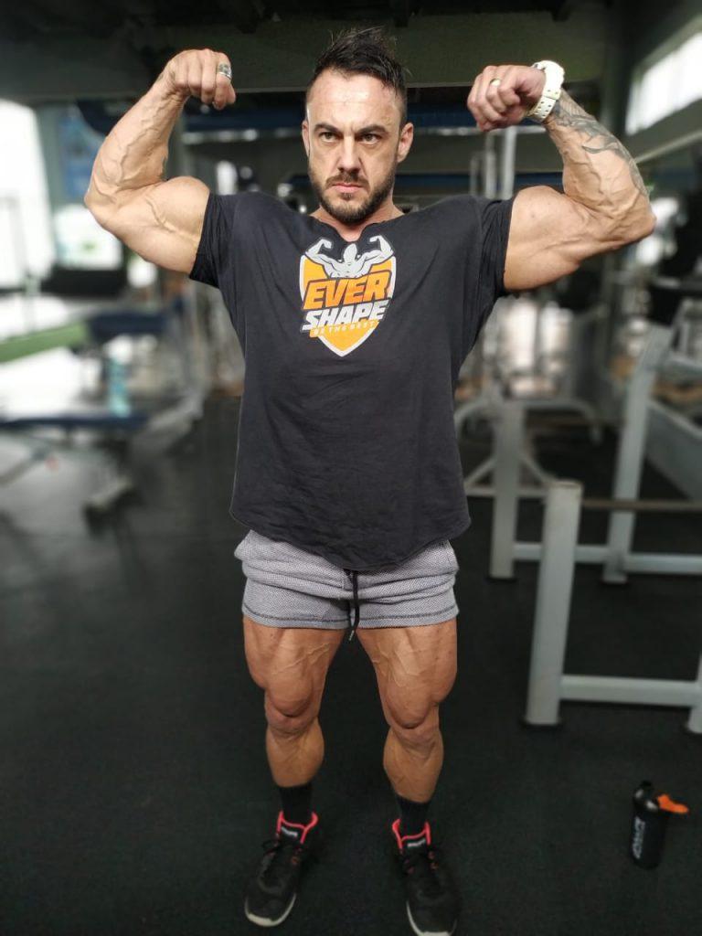 Bodybuilder Douglas Rezini compete no Sardinha Classic, neste sábado, 21