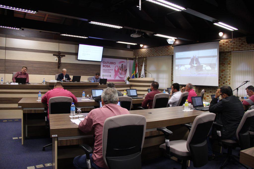Sessão da Câmara de Vereadores de Brusque nesta terça-feira, 15.