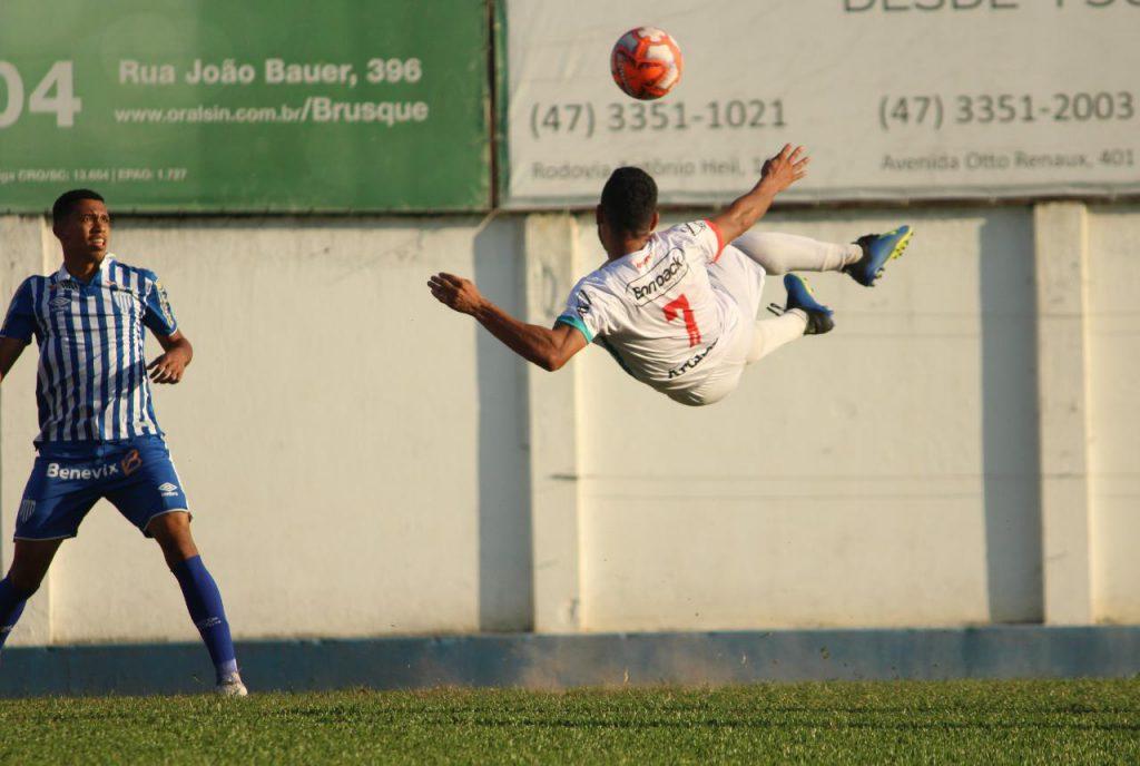 Brusque vence o Avaí e chega no G4 da Copa SC