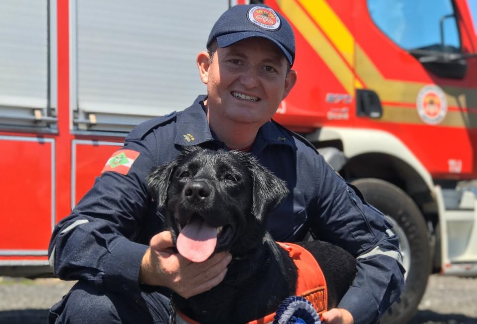 Binômio Cabo BM De Souza e Zaara recebem certificação de Busca e Resgate