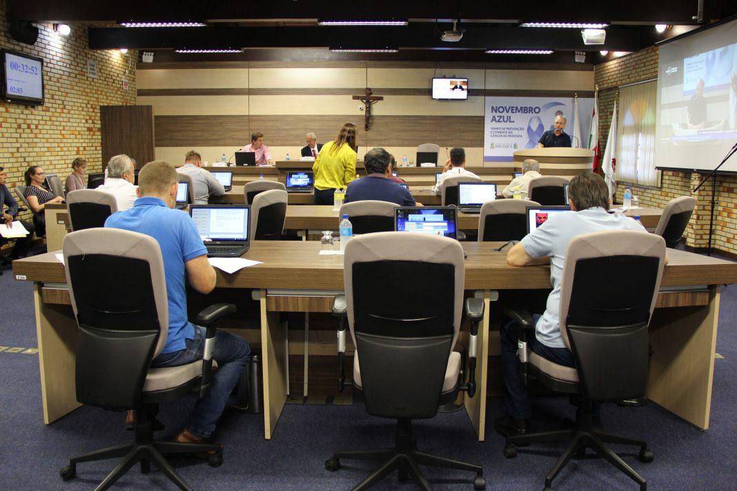 Com forte debate nas redes sociais, alterações no sistema da Área Azul repercute na Câmara