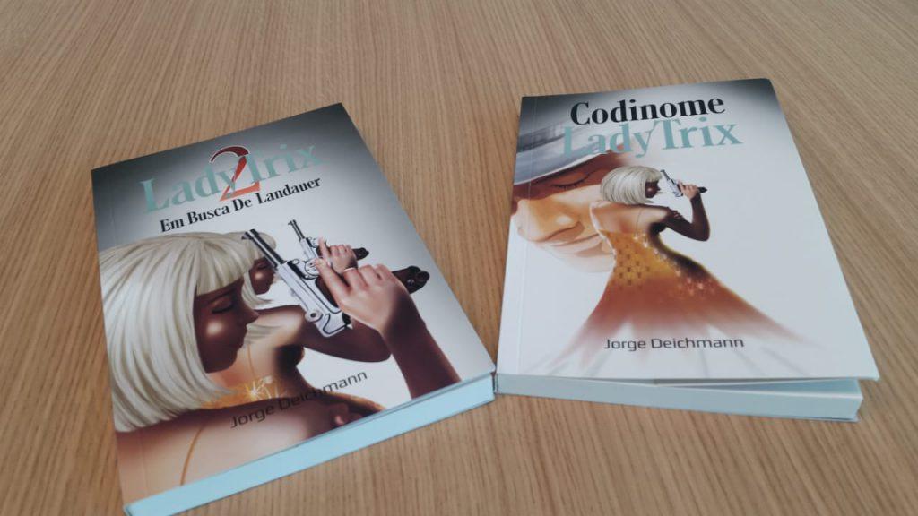"""Codinome Lady Trix"""", escrito pelo Design Gráfico, Jorge Deichman, está entre obras literárias aprovadas pelo Fundo Municipal de Apoio à Cultura de Brusque"""