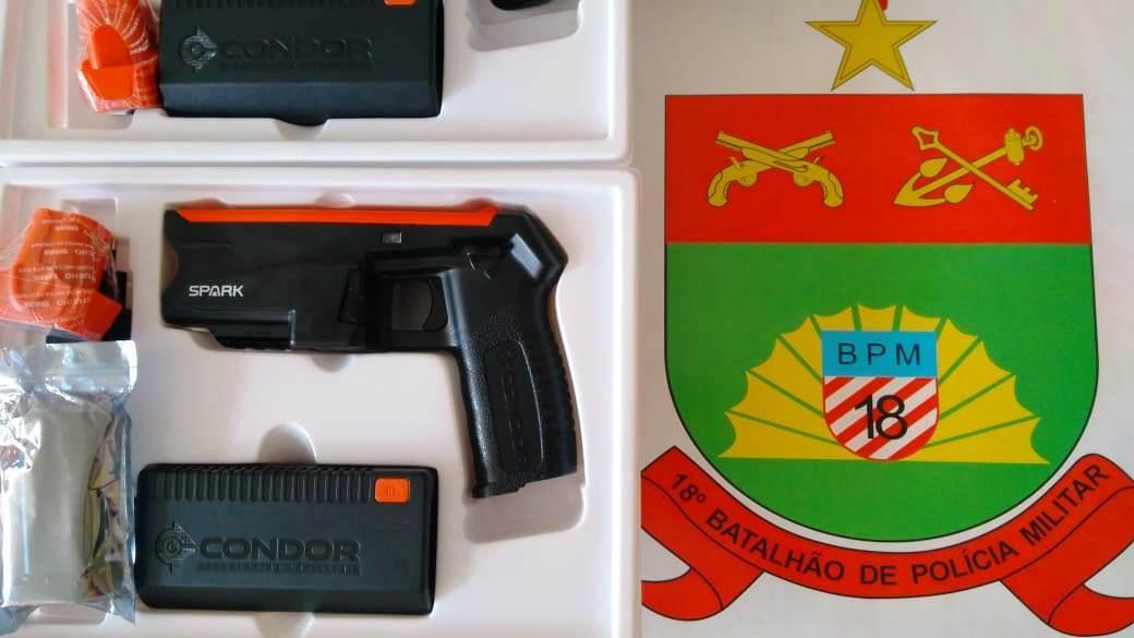 PM de Brusque recebe armas Spark