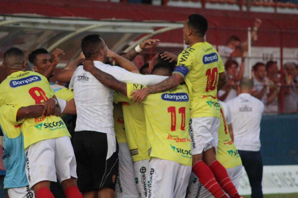 Brusque vence o JEC pela segunda rodada do estadual neste domingo (26).