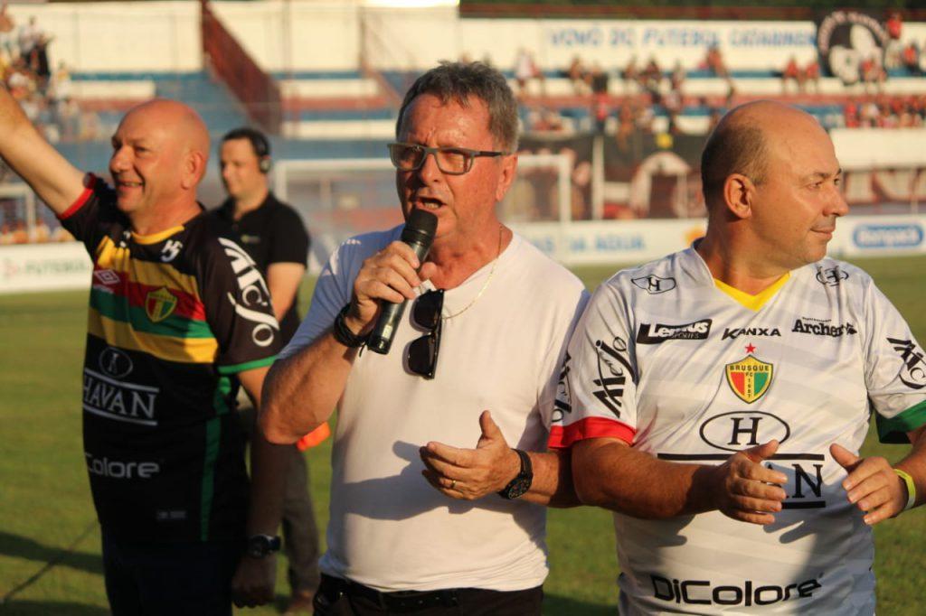 Antes da bola rolar, Danilo Rezini, presidente do Brusque, saudou a parceria entre o clube, a Havan , a Prefeitura de Brusque