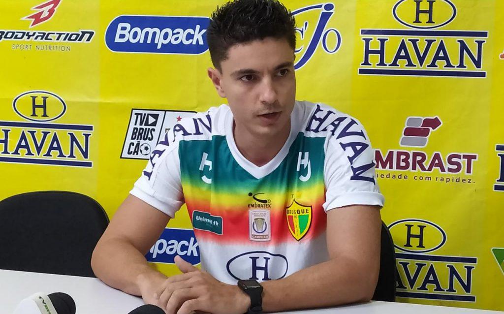 Gustavo Chenci novo fisioterapeuta do Brusque FC (Foto: Diplomata FM).