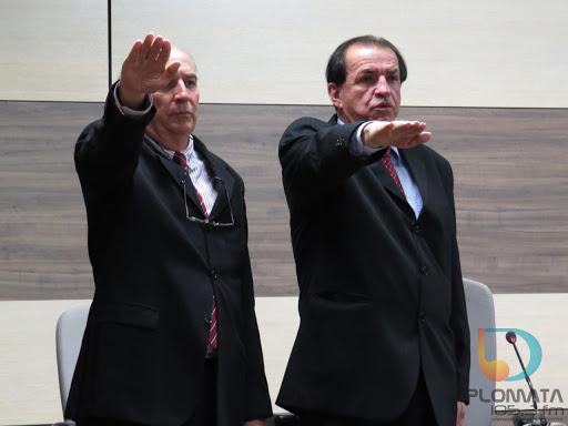 através das eleições suplementares realizada na Câmara, Boca Cunha foi empossado prefeito de Brusque, ao lado do vice-prefeito, Rolf Kaestner.
