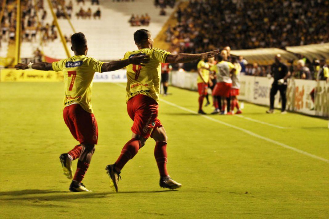 Brusque FC mantém liderança do estadual após derrotar o Criciúma