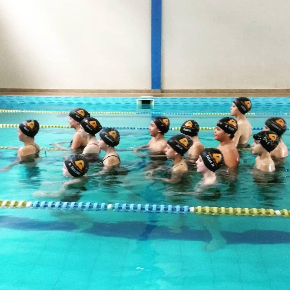 Começa nesta quarta escolinhas de natação entre FME e academias