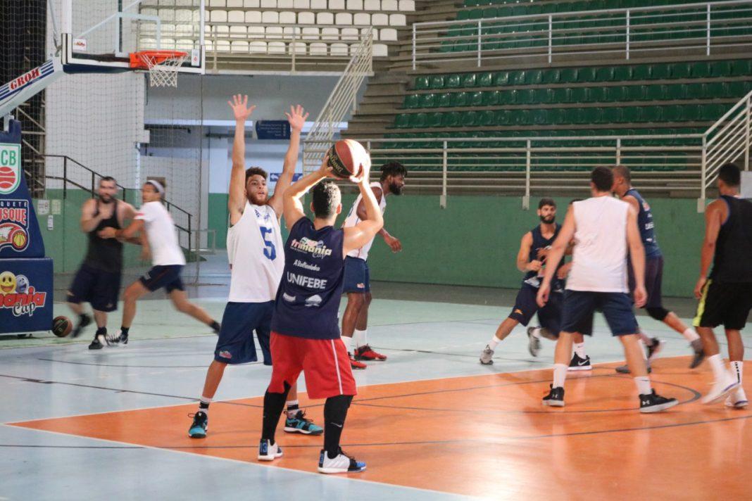 Brusque Basquete entra na reta final de preparação para o Campeonato Brasileiro